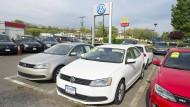 Von Amerikanern noch nachgefragt: Autos von Volkswagen stehen auf dem Hof eines Händlers in Alexandria zum Verkauf.