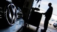 Volkswagen in der Werkstatt: Die Abschalteinrichtung muss weg