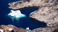 Eisberg vor der Ostküste Grönlands.