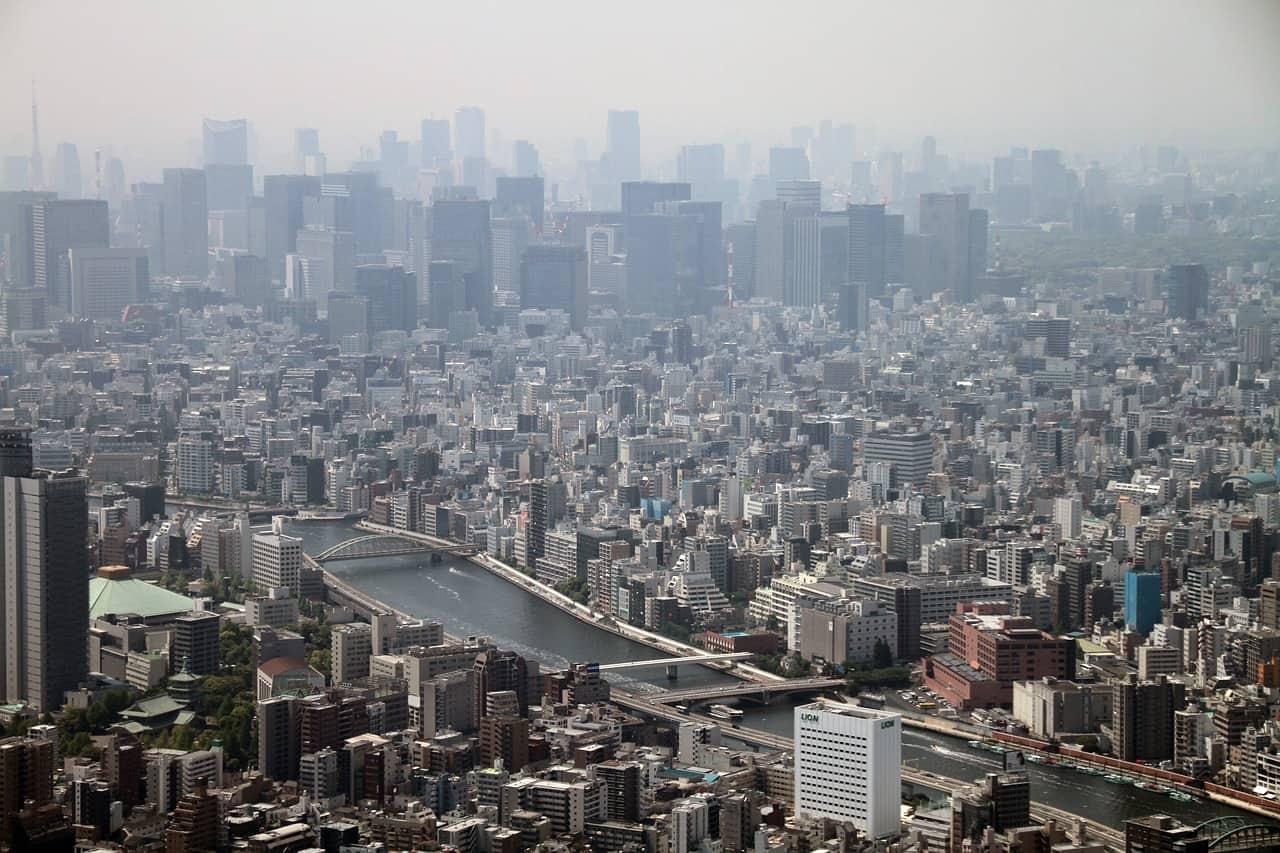 De skyline van Tokio.
