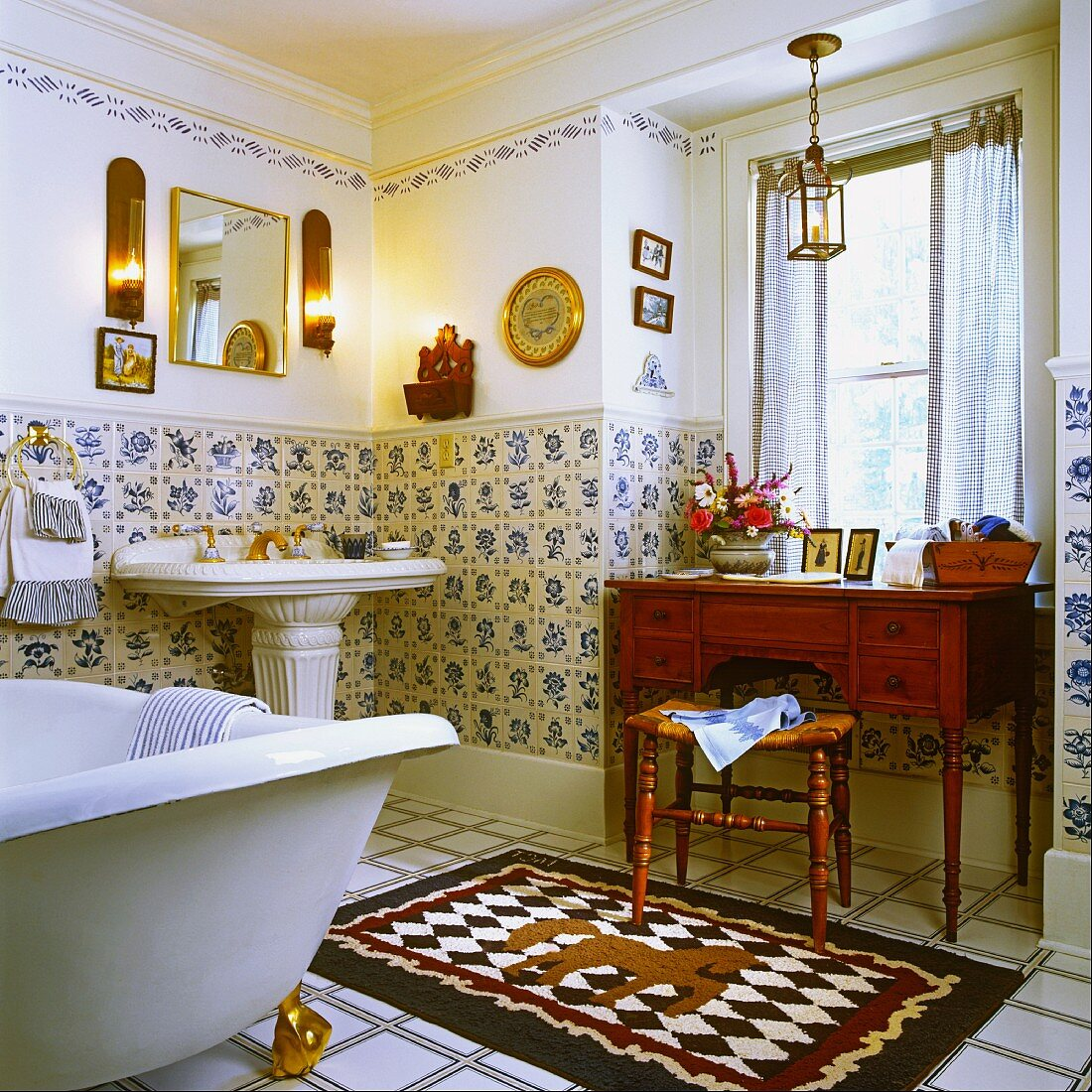 Nostalgic Bathroom With Antique Buy Image 11093677 Living4media