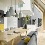 Esszimmer In Grau Und Weiss Mit Viel Holz Bild Kaufen 12486647 Living4media