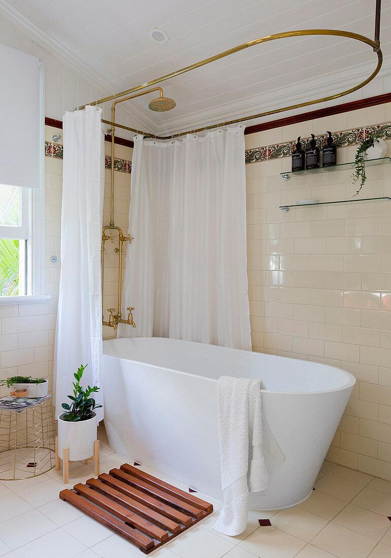https www living4media com images 12369519 freestanding bathtub with nostalgic shower curtain holder