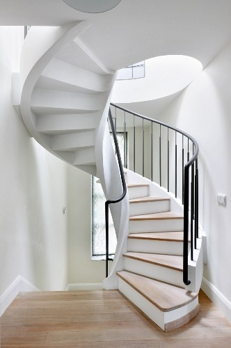 White Painted Spiral Staircase With … – Buy Image – 11347379   Black Metal Spiral Staircase   Spiral Stairs   Cat Spiral   Arke   Abandoned   Circle Metal