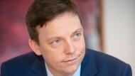 Kriegt Millionen: Der Ministerpräsident des Saarlands, Tobias Hans (CDU).
