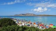 Soll nach einer schnellen Impfung der Bevölkerung wieder möglich sein: Badeurlaub auf Sizilien