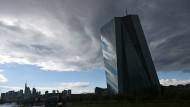 Die EZB in Frankfurt: unabhängig, aber rechtlich kontrolliert.