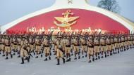 """Militärparade zum """"Tag der Streitkräfte"""" in Myanmars Hauptstadt Naypyidaw am 27. März"""