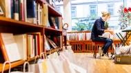 Zur Abholung bereit: Buchhandlungen müssen improvisieren.