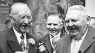 Bundeskanzler Konrad Adenauer (links) und Ludwig Erhard im September 1963 in Bonn