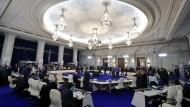 Große Runde, keine Einigung: Blick in den Verhandlungssaal, in dem die EU-Handelsminister in Bukarest tagten.