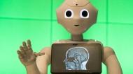 Sag mir, was Du denkst: Wenn Mensch und Roboter sich besser austauschen könnten, würden viele Probleme und Missverständnisse verhindert.