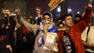 Der Protest wird lauter: Junge Demonstranten in Barcelona