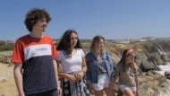 Drei junge Frauen und ein Mann aus Portugal, die eine Klimaklage vor dem Europäischen Gerichtshof für Menschenrechte angestrengt haben, 3. September 2020.