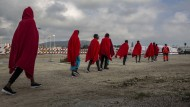 Migranten im Hafen von Crinavis in Spanien: 2018 hat die illegale Einwanderung besonders aus Marokko auf die Iberische Halbinsel um 160 Prozent zugenommen.