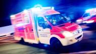Die Frau überstand den Unfall am Samstagvormittag in Taunusstein leicht verletzt. (Symbolbild)