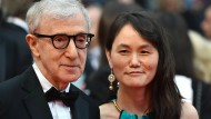 """Woody Allen mit seiner heutigen Frau Soon-Yi Previn: """"Das Einzige, was ich verbrochen habe, war, mich in Frau Farrows volljährige Tochter zu verlieben."""""""
