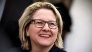 Die deutsche Umweltministerin Svenja Schulze will den Insektenschutz vorantreiben.