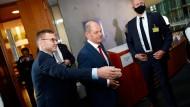 Für Finanzminister, Vizekanzler und SPD-Kanzlerkandidat Olaf Scholz dürfte der Untersuchungsausschuss das größte politische Risiko bedeuten.