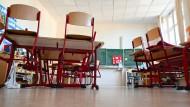 Mal Unterricht, mal Notbetreuung: So läuft es von übernächster Woche an für viele Schüler.