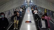 U-Bahn-Station in London: Vor allem in Großbritannien hat sich Delta bereits ausgebreitet.