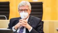 """""""Wir vernichten Existenzen"""": Wie Bouffier von der Merkel-Linie abrückt"""
