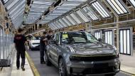 Chinas Automobilindustrie: Gigant Geely gegen VW und Tesla