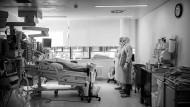 Auch hier zeigt sich, wie gut ein Land für eine Pandemie gewappnet ist: Intensivstation der Universitätsklinik Frankfurt.