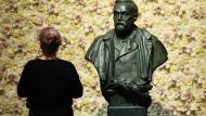 Statue von Alfred Nobel in Stockholm, Schweden