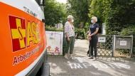 Blick auf den Eingang des Jugendheims in Frankfurt Rödelheim, wo ein Mobiles Team des Arbeiter-Samariter-Bundes impft.