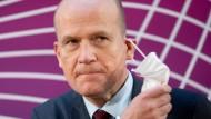 """Den Vorschlag, er selbst solle als Kanzlerkandidat antreten, findet Brinkhaus """"nett, mehr nicht""""."""