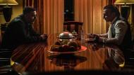 Wenn einer nicht loslassen will: Toni (Kida Khodr Ramadan) und Halim Karami (Moussa Sullaiman)