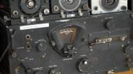 Detailaufnahme eines amerikanischen Flugfunkgerätes aus der Zeit des Zweiten Weltkriegs