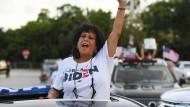 Biden-Unterstützerin bei einer Rally in der Kleinstadt Boca Raton, Florida