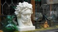 """Lasst den Schaum zum Himmel sprützen"": War Beethoven weinkrank?"