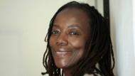 Friedenspreisträgerin des Deutschen Buchhandels 2021: die Schriftstellerin und Filmregisseurin Tsitsi Dangarembga aus Simbabwe