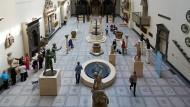 Angriff auf Englands Traditionen: Pläne für das Victoria and Albert Museum und den National Trust