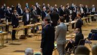 Ministerpräsident Michael Kretschmer während der Sondersitzung des Sächsischen Landtages am Donnerstag im Internationales Congress Center in Dresden