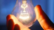 Wo ist die Dunkelheit geblieben? Nach der Erfindung der Glühbirne war die Welt nicht mehr dieselbe.