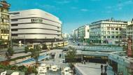 """Eile jeder Kluge fort! Schauderhaft ist's um den Ort: In Frankfurt am Main redet man seit vielen Jahren über eine Umgestaltung des Platzes an der Hauptwache, der zärtlich """"das Loch"""" genannt wird. (Archivbild)"""