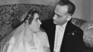 Hochzeitfoto von Erna und Helmut, 1932: Sie lernten sich im Sommer 1929 bei einem Ausflug an den Bodensee kennen.