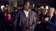 """Assane (Omar Sy) will mit dem """"Collier der Königin"""" die Unschuld seines Vaters beweisen."""