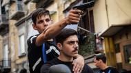Todesfahrt eines ehemaligen Muttersöhnchens: Nicola (Francesco Di Napoli, links) terrorisiert sein Viertel.