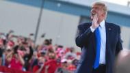 Ruf nach dem FBI: Trump am 18. Oktober auf einer Kundgebung in Carson City im Staat Nevada.