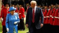 Teil von Trumps Arbeitsbesuch in Großbritannien im Juli 2018 war ein Treffen mit der Queen auf Schloss Windsor.