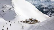 Skifahrer im Zillertal: Den Skigebieten geht eine Generation verloren.