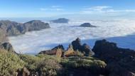 Der höchste Punkt der Insel: Vom 2426 Meter hohen Roque de los Muchachos aus überblickt man ganz La Palma – und sieht bei gutem Wetter auch Teneriffa, El Hierro und La Gomera.