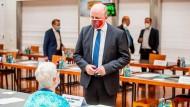 CDU-Stadtrat Uwe Becker wurde abberufen. Hier spricht er mit Sylvia Momsen (Grüne).
