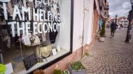 """Wunschtraum: Offene Läden sind in Hessen derzeit die Ausnahme, """"Click and Meet"""" ist aber in einigen Kreisen möglich."""