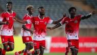Die Spieler aus Kenia freuen sich zu früh. Die Komoren haben sie mit 2:1 geschlagen.